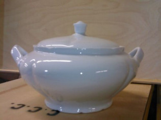 3 qt. White Soup Tureen